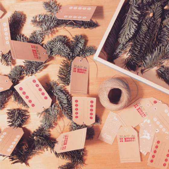 DIY XMAS TABLE NAME PLACES