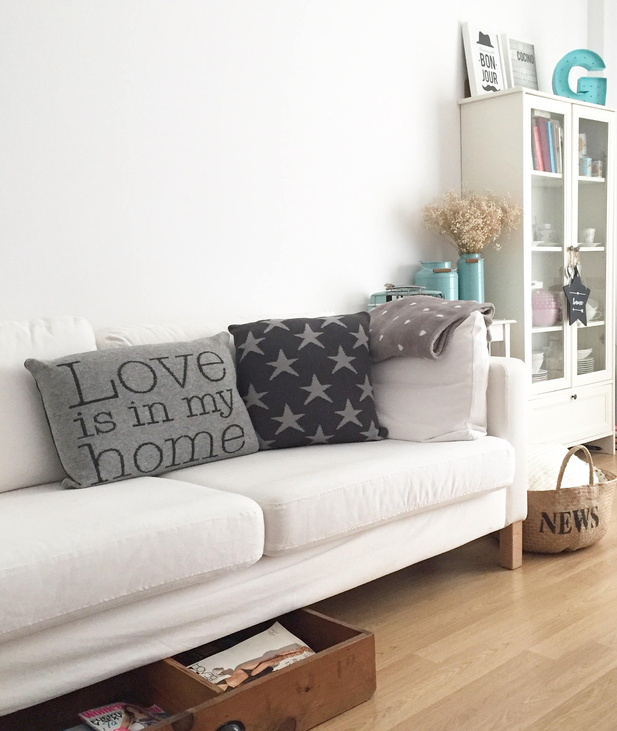LOVE IS IN MYHOME
